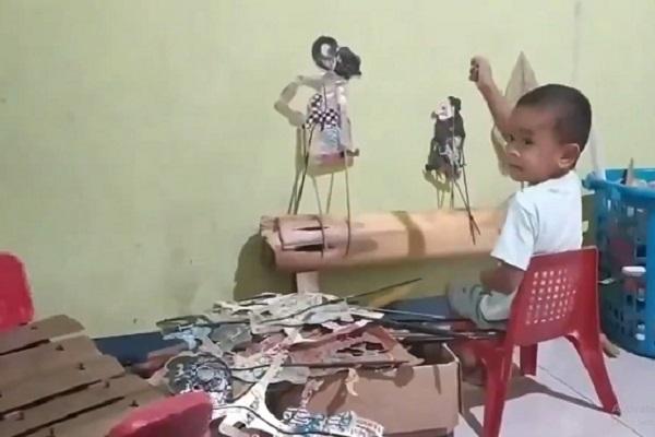 Dalang Cilik Marahi Ayahnya karena Salah Nada, Netizen Gemas sekaligus Bangga