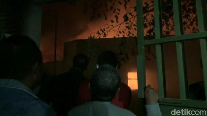 2 Rumah dan 2 Gudang di Pasuruan Terbakar, Kerugian Diperkirakan Tembus Rp1 Miliar