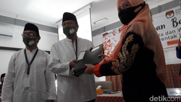 Gus Ipul Daftar Calon Wali Kota Pasuruan, Target Raup Lebih dari 70 Persen Suara