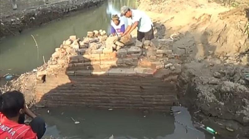 Warga Nganjuk Tak Sengaja Temukan Struktur Bangunan Kuno, Diduga Benteng Era Majapahit