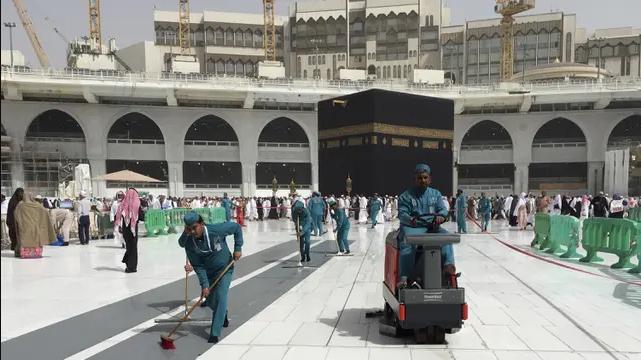 Jemaah Umrah Harus Karantina Mandiri 3 Hari saat Tiba di Arab Saudi
