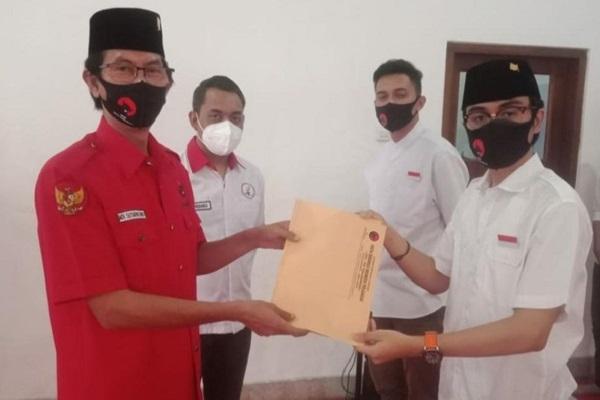 Jubir Cawali Surabaya Eri Cahyadi Ternyata Baru Lulus SMA dan Jago Debat