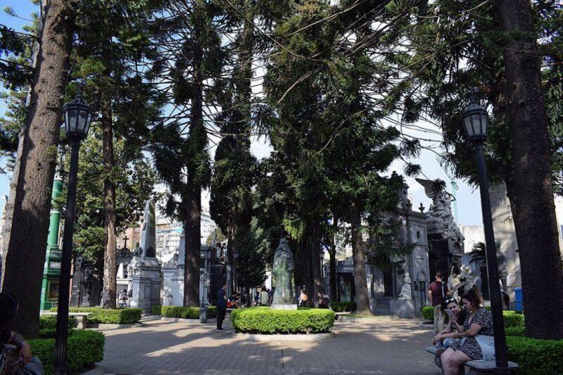 La Recoleta Cemetery, Permakaman Terindah di Dunia dengan Banyak Kisah Misteri di Dalamnya