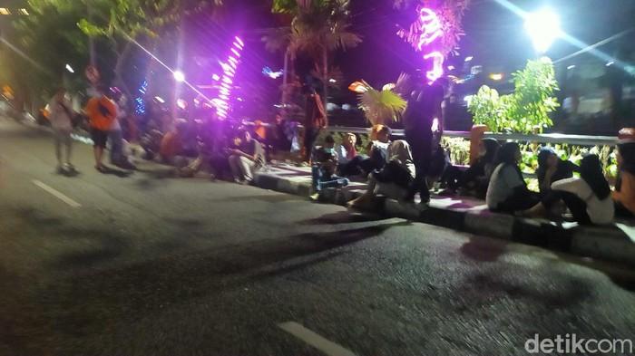 3.879 Muda-Mudi Surabaya Positif Covid-19, Tapi Tempat Nongkrong Tetap Ramai