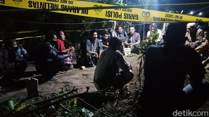 Geger Makam Ibu Muda di Jombang Dibongkar, Kain Kafan Dicuri