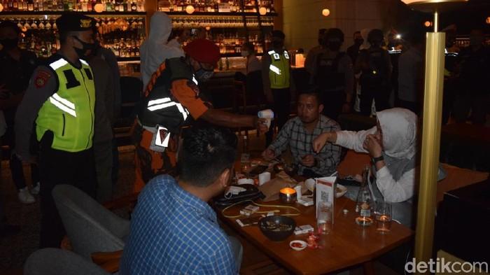 Tak Lagi Pakai Teguran, Tempat Hiburan Malam di Surabaya Yang Langgar Perwali Langsung Dicabut Izinnya