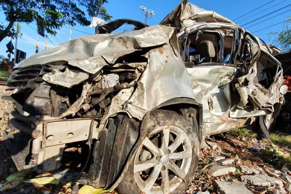 KA dan Mobil Tabrakan di Perlintasan Tanpa Palang Pasuruan, 1 Meninggal Dunia