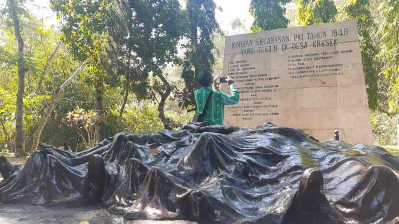 Monumen Kresek Geser Perkampungan Kuno di Madiun