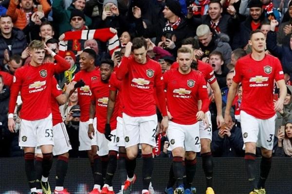 Datangkan Bek Tengah Jadi Target Manchester United