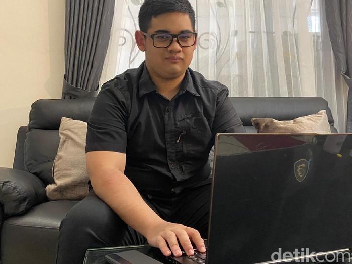Wow! Wisudawan Termuda ITS Raih Gelar Sarjana di Usia 19 Tahun