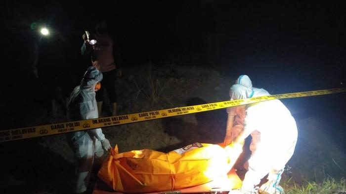 Mayat Pria dengan Tangan terikat Ditemukan Membusuk di Gresik