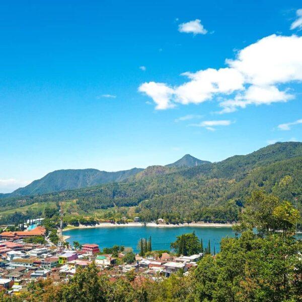 Beragam Pilihan Objek Wisata Keren di Lereng Gunung Lawu