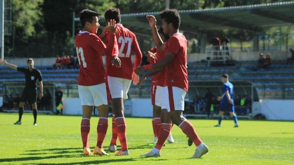 Timnas Indonesia U-19 dan Makedonia Utara Bermain Kacamata