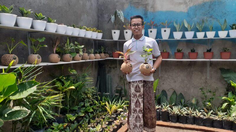 Santri Ponpes di Madiun Sukses Berbisnis Kokedama, Omzet Jutaan Rupiah Per Bulan