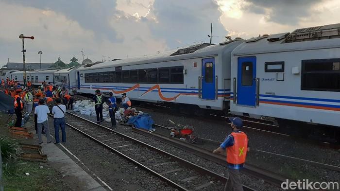Aneh! 7 Gerbong KA Meluncur Tanpa Lokomotif Sejauh 2,3 Kilometer di Malang