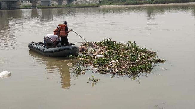 Mayat Bu RT di Gresik Ditemukan Mengambang di Sungai