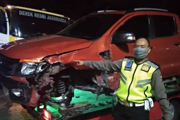 Mobil Tabrak Tiang Listrik di Surabaya, Pengemudi Didenda Rp128 Juta