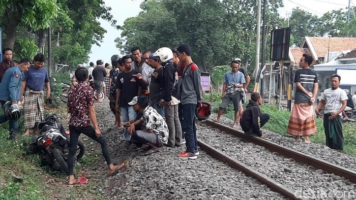 Berboncengan, 1 Pelajar Meninggal Tertabrak KA Sritanjung di Probolinggo