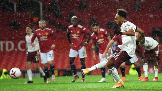 Manchester United 0-1 Arsenal: Setan Merah Tumbang di Kaki Aubameyang