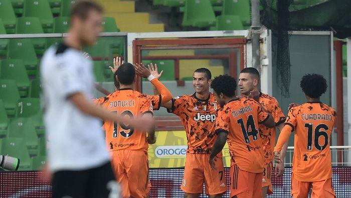 Spezia  1-4 Juventus: 2 Gol Ronaldo setelah Sembuh dari Corona