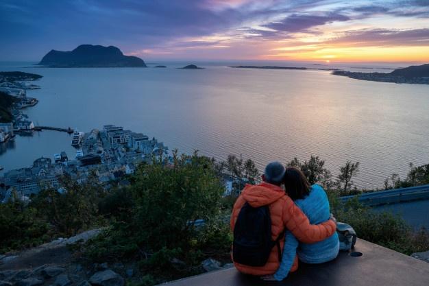 Agar Semakin Dekat, Inilah 5 Manfaat Travelling Bersama Pasangan setelah Menikah