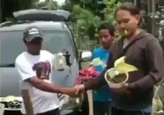 Wow! Avanza Dibarter Tanaman Hias di Kediri