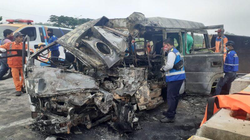 Kecelakaan di Tol Madiun-Nganjuk, 3 Tewas dan 13 Orang Luka Parah