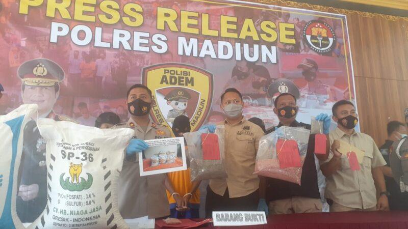Bikin Resah, Pengedar Pupuk Bersubsidi Aspal di Madiun Dibekuk Polisi