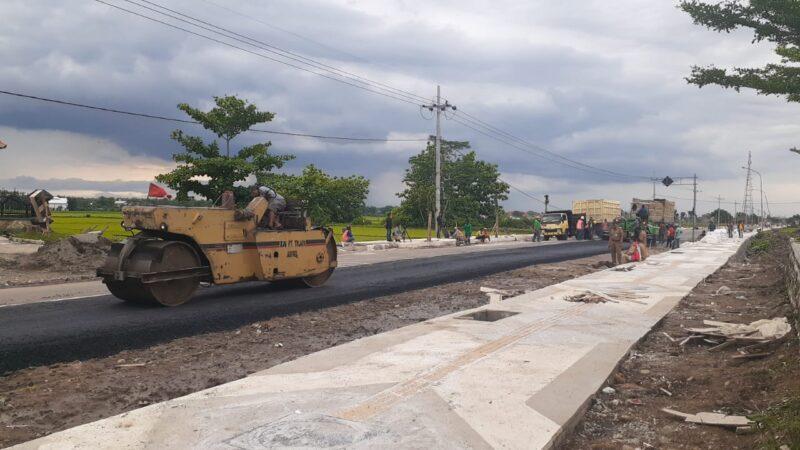 Pembangunan Trotoar di Caruban Ditarget Rampung 28 Desember