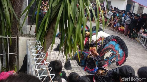 Sebabkan Kerumunan, Kesenian Jaranan di Surabaya Dibubarkan