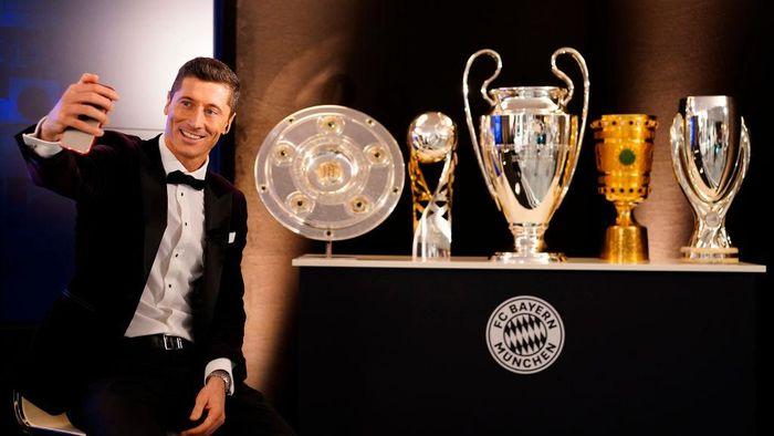 Pemain Terbaik FIFA: Konsistensi Lewandowski Kalahkan Ronaldo dan Messi