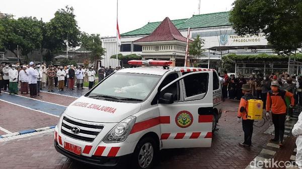 Penuh Haru, Wakil Wali Kota Probolinggo Positif Covid-19 Dimakamkan