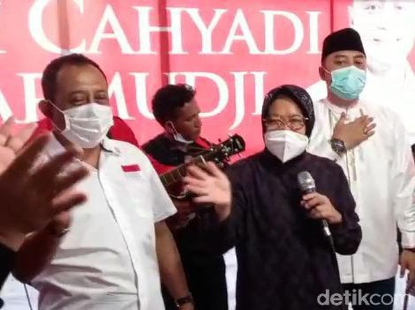 Rayakan Kemenangan Eri-Armuji, Risma Nyanyi Surabaya Oh Surabaya