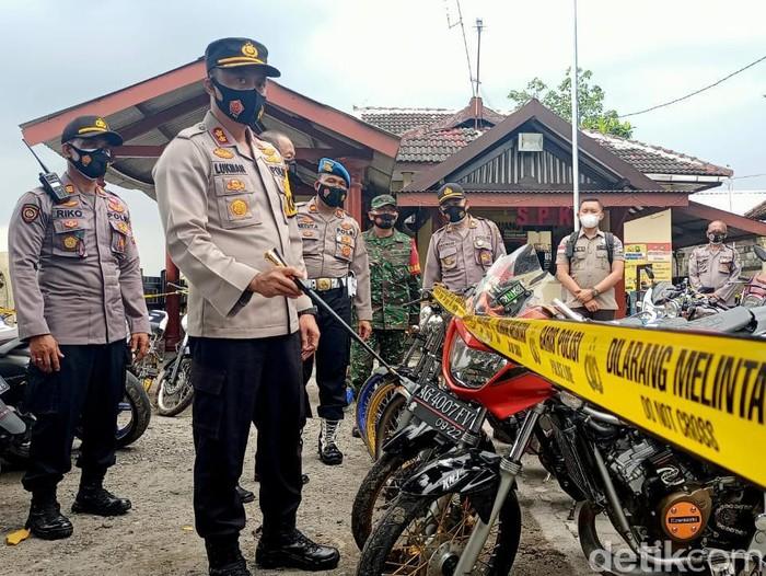 Balap Liar di Kediri Dibubarkan, 134 Motor Dibawa ke Kantor Polisi