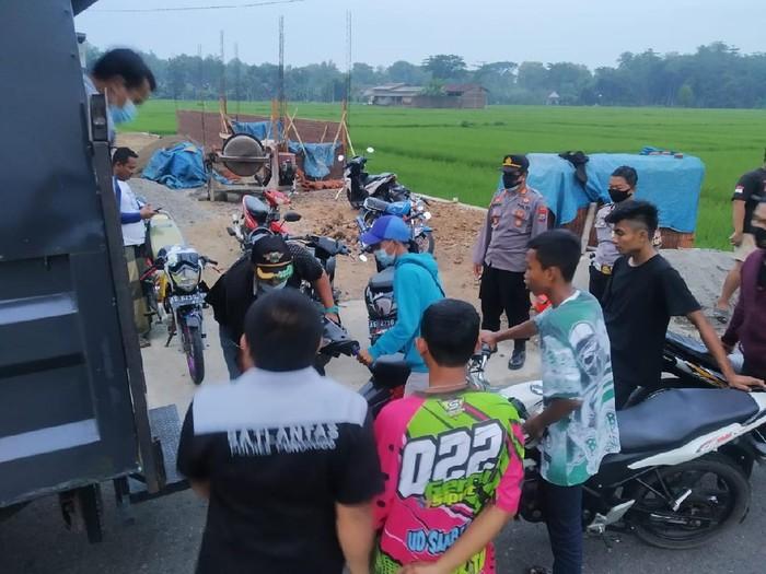 Aksi Balap Liar di Ponorogo Dihentikan, 19 Remaja Diberi Tilang