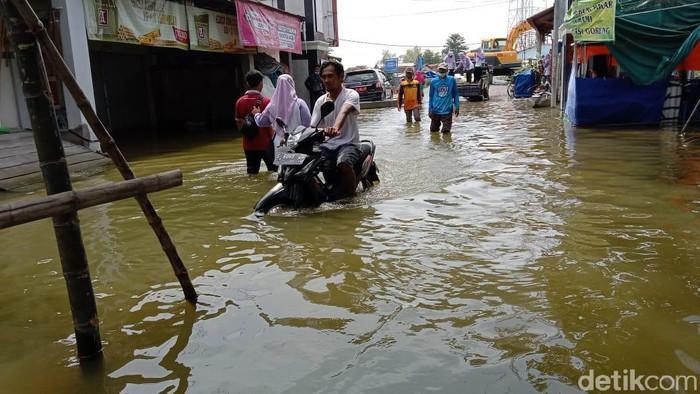 Banjir Lamongan Mulai Surut, Warga Mulai Diserang Aneka Penyakit