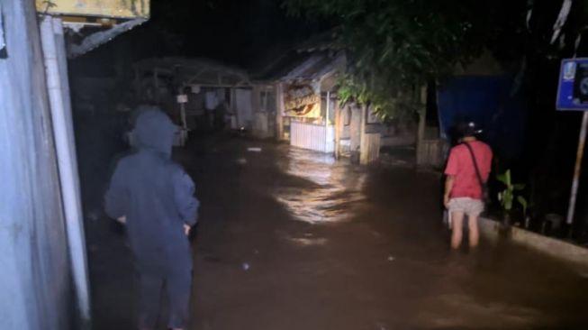 Pusat Kota Jember Kebanjiran, Rumah Warga Dilaporkan Hanyut