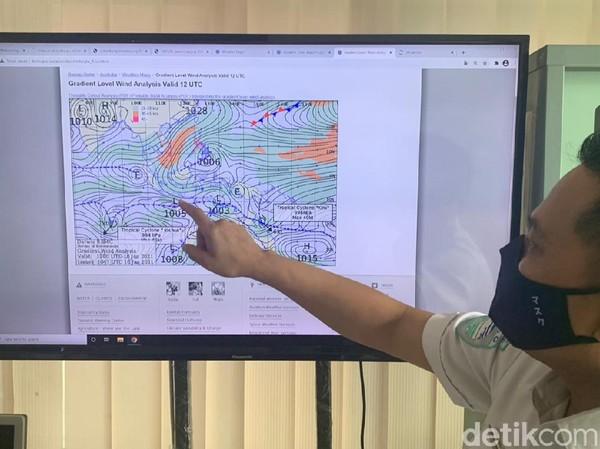 Waspada! BMKG Sebut Potensi Gelombang Tinggi hingga 4 Meter di Jatim