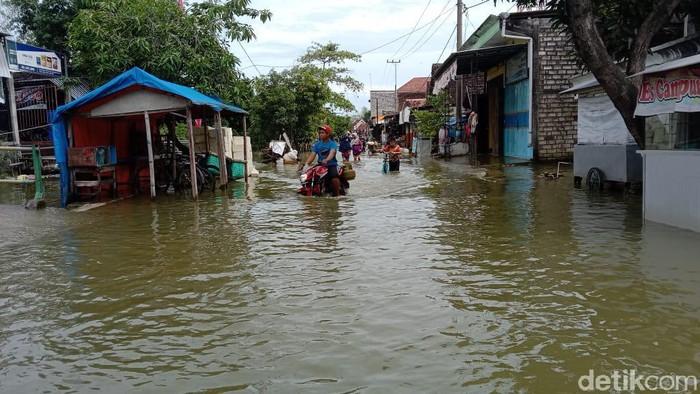 Banjir Tak Kunjung Surut, DPRD Lamongan Panggil Lima Camat