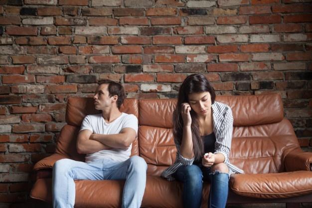 Tanda Pasangan Sudah Tak Tertarik dengan Anda, Salah Satunya Slow Respons