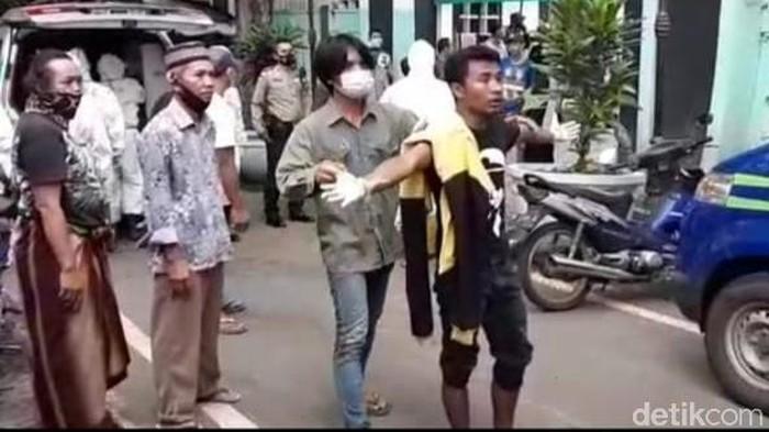 Begini Kronologi Jenazah Covid-19 Tertukar di Malang
