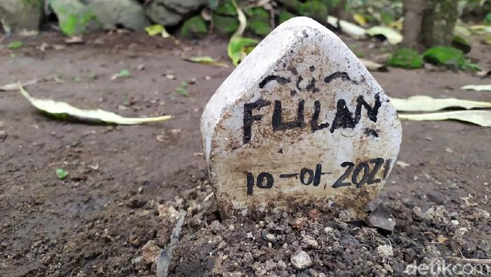 Makam Misterius di Mojokerto Dibongkar, Ternyata Ini Isinya