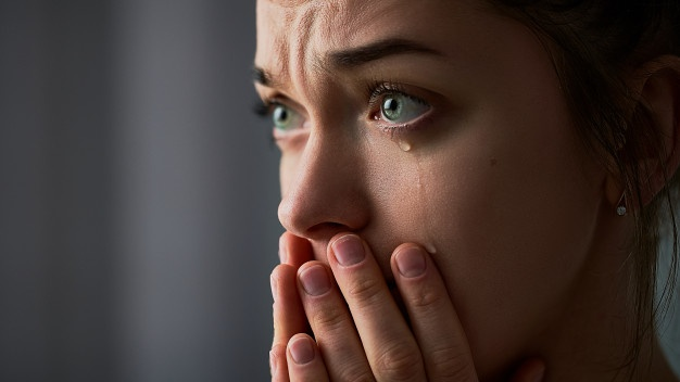 6 Alasan Seseorang Mudah Menangis, Salah Satunya Kurang Tidur
