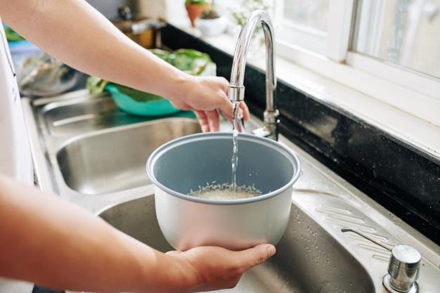 Jangan Dibuang, Inilah Manfaat Air Beras untuk Perawatan Wajah