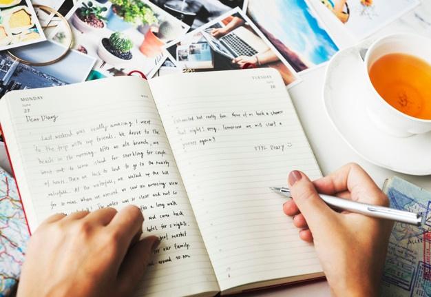 Masih Suka Menulis Buku Diary? Ternyata Ini Manfaatnya