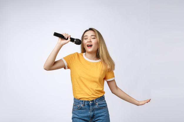 Menyanyi Ternyata Bagus untuk Kesehatan Mental