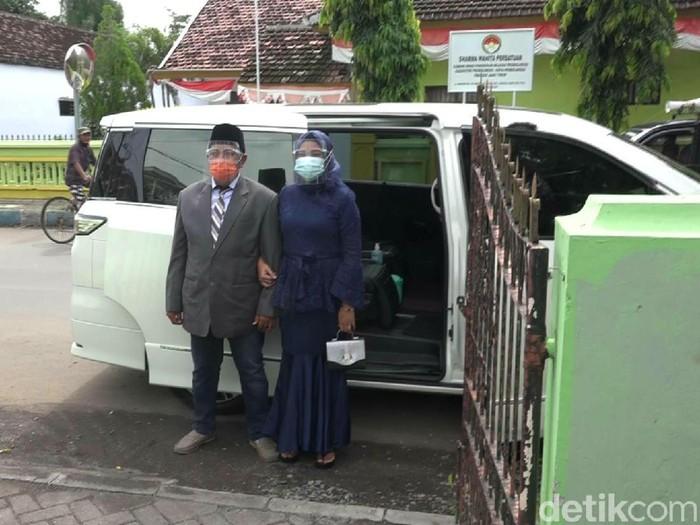 Kisah Bahagia Warga Pinjam Mobil Dinas Wali Kota Probolinggo untuk Menikah