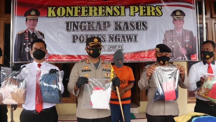 Beri Iming-Iming Uang, Satpam Sekolah di Ngawi Gauli Siswi
