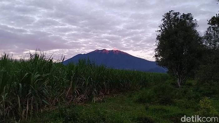 Gunung Raung Erupsi, Aktivitas Dibatasi 2 Km dari Puncak