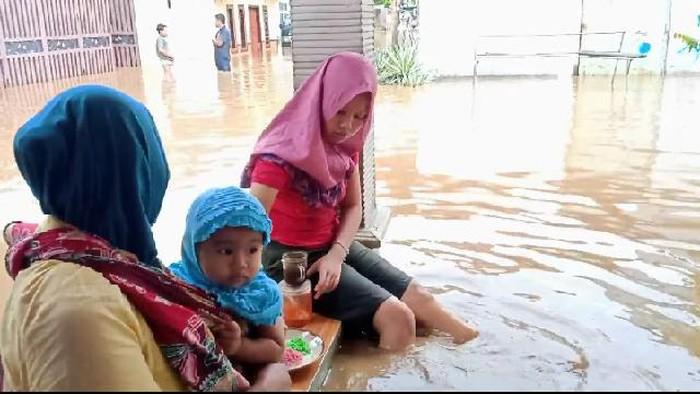 5 Kecamatan di Probolinggo Kebanjiran, Warga Butuh Stok Makanan